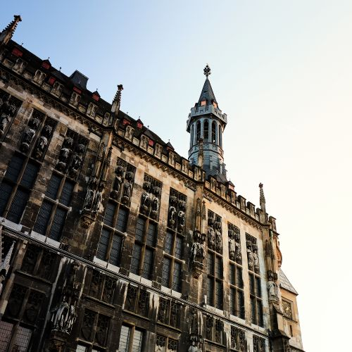 Rathaus mit Marktturm