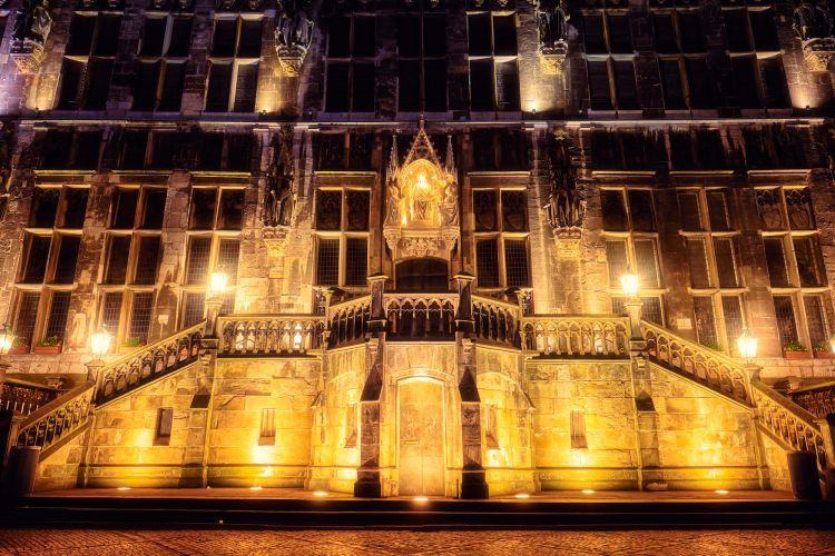 Eingang Rathaus